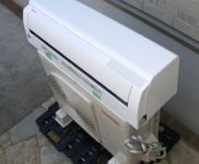 「東芝 ルームエアコン 2.2kW 主に6畳用 TOSHIBA RAS-F221M-W」を大阪府高槻市で買取(11月7日)